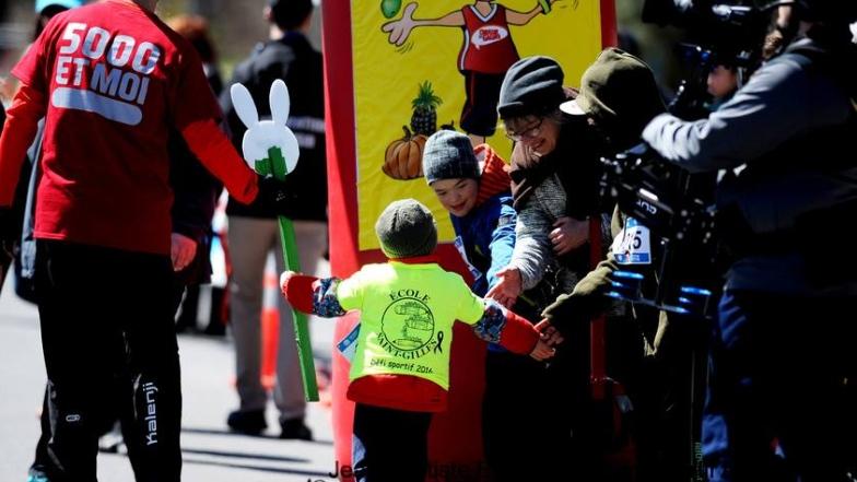 La ligne d'arrivée du mini marathon du Défi sportif AlterGo.