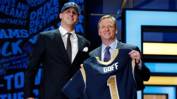 Jared Goff et Roger Goodell