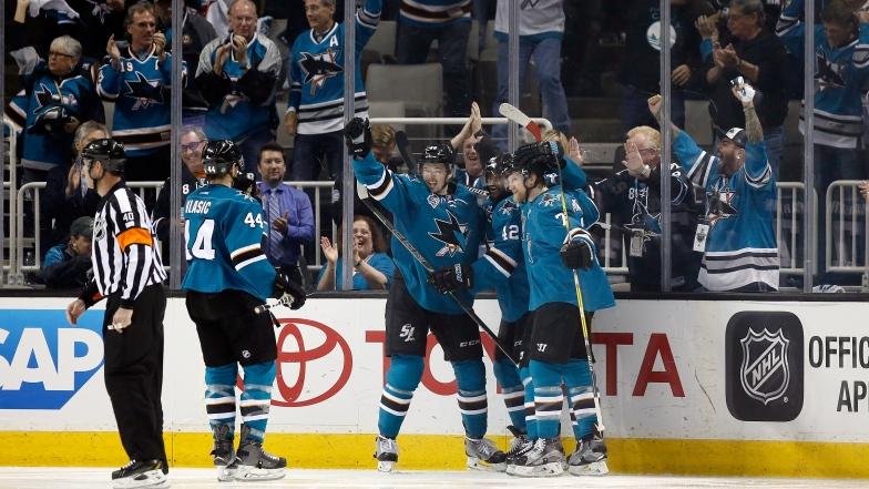 Les Sharks célèbrent