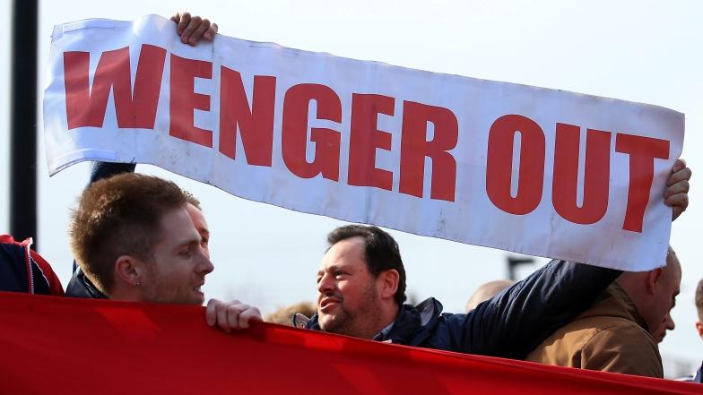 Arsène Wenger critiqué par les partisans d'Arsenal
