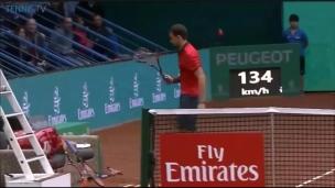 Dimitrov brise trois raquettes dans un match