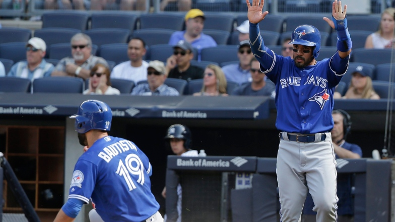 Devon Travis et Jose Bautista