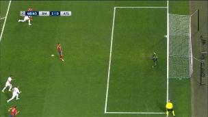 Griezmann rate un penalty!