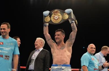 Boxe : Ricky Burns conserve son titre WBA