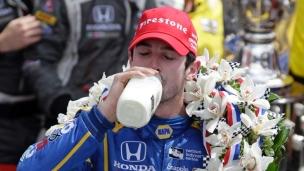 Rossi remporte les 500 miles d'Indianapolis, Tag 17e