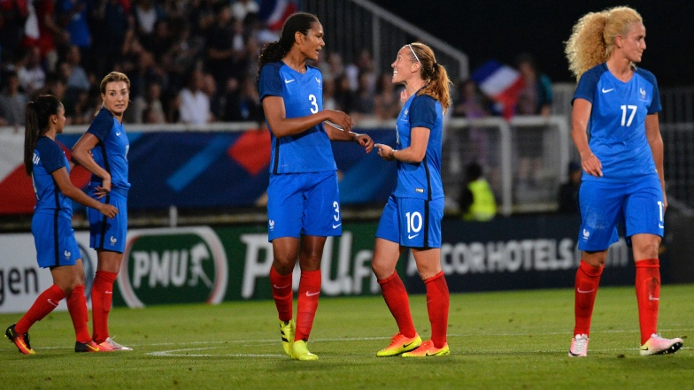Camille Abily avec la France
