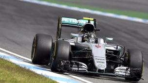 Rosberg ravit ses partisans à la maison