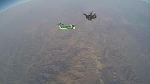 Le plus haut saut au monde... sans parachute!