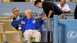 Charlie Sheen et Tommy Lasorda