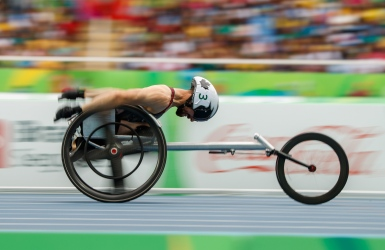 Brent Lakatos accumule les records du monde