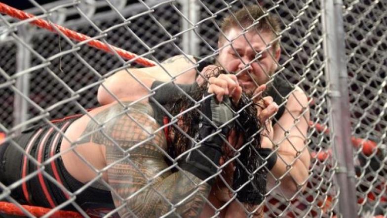 Kevin Owens et Roman Reigns