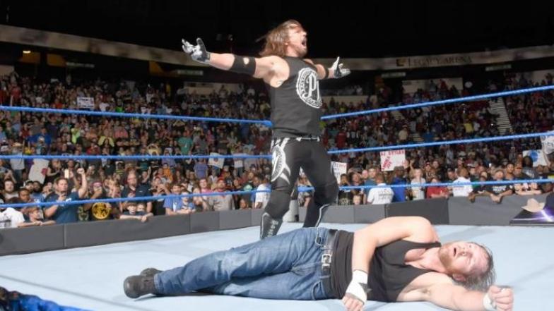 AJ Styles et Dean Ambrose à Smackdown