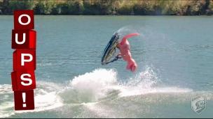 Oups! Un T-Rex sur l'eau