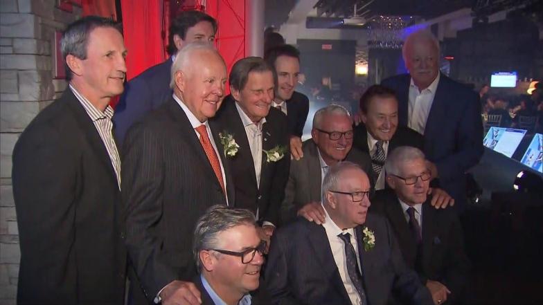 Jacques Demers et plusieurs anciens membres du Canadien