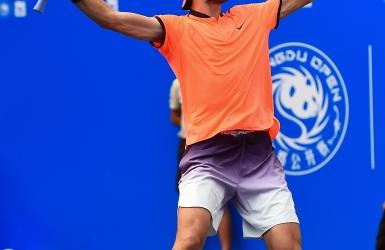ATP : un premier titre pour Karen Khachanov