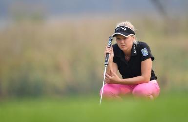 LPGA : Henderson à un coup de la tête
