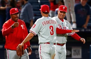 Steve Henderson est remercié par les Phillies