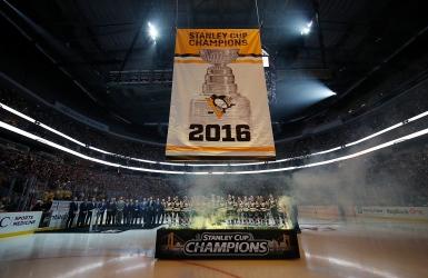Les Penguins soulèvent une 4e bannière