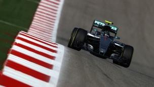 Rosberg signe le meilleur temps
