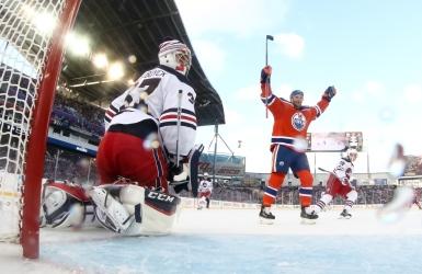 Les Oilers signent la victoire en plein air