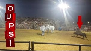 Oups! Soccer + bulles + taureau = ouch!