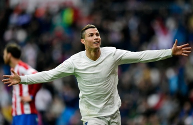 Le Real Madrid bat Gijon avant le Real