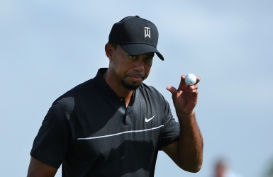 Tiger Woods fléchit après un beau retour