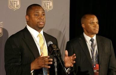 Plus d'officiels dans la NFL?