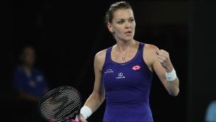 Radwanska défait Pironkova en trois manches
