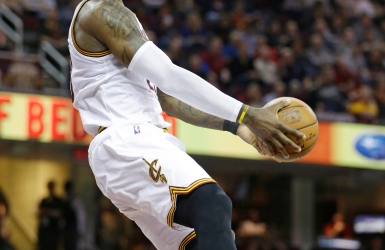 NBA : Irving et James s'occupent des Suns
