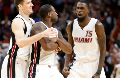 NBA : Waiters se charge des Warriors