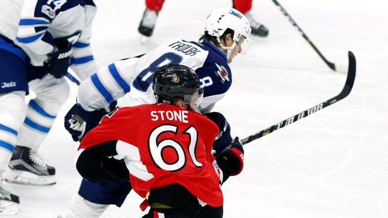 Mark Stone et Jacob Trouba