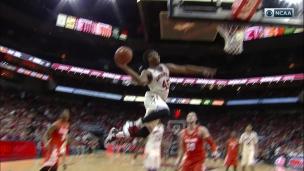 Un dunk spectaculaire!