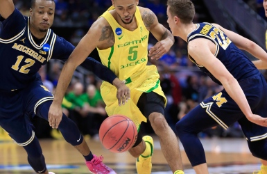 Oregon bat Michigan et accède au Elite 8