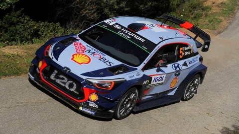 Thierry Neuville s'impose enfin