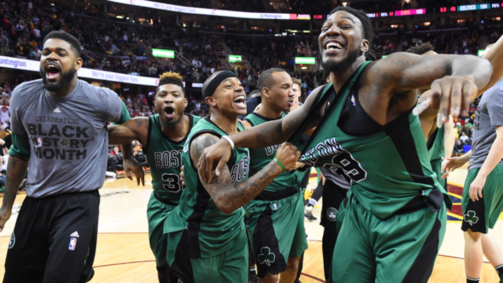 Amir Johnson, Marcus Smart, Isaiah Thomas, Avery Bradley et Jae Crowder