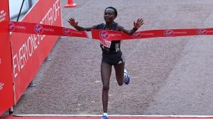 Record mondial au marathon chez les femmes