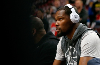 Warriors : Kevin Durant en uniforme