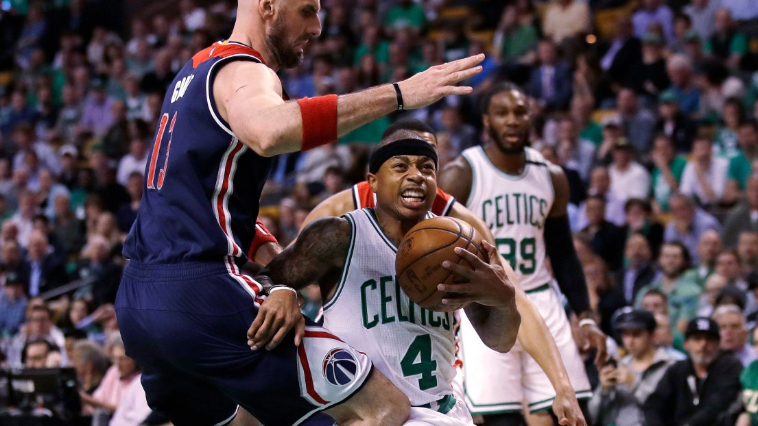Isaiah Thomas sort un match fou, Golden State calme Utah — NBA