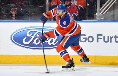 LNH : Kris Russell demeurera à Edmonton