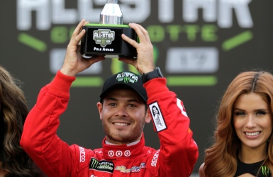 NASCAR : Larson partira premier à Charlotte