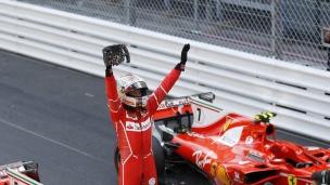 Vettel offre un 1er titre depuis 2001 à Ferrari