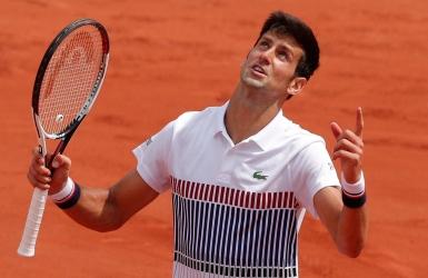 Djokovic l'emporte sous le regard d'Agassi