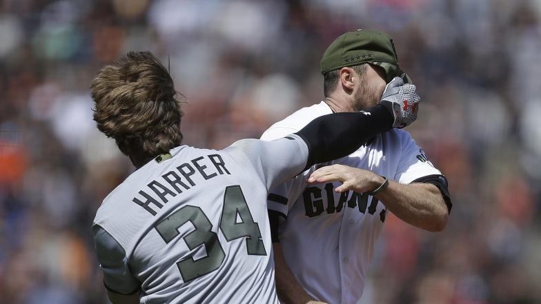Bryce Harper et Hunter Strickland