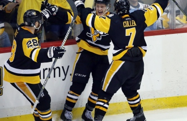 Des Penguins opportunistes enlèvent les honneurs du 1er match