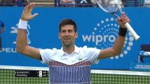 Superbe échange entre Djokovic et Pospisil