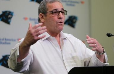 NFL : les Panthers congédient leur DG