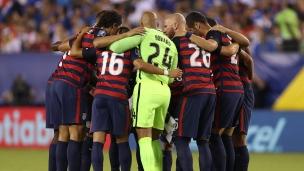 États-Unis 2  - Salvador 0