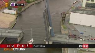Oups! Une course perturbée par un bateau