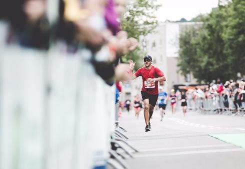 Un coureur au Marathon de Québec